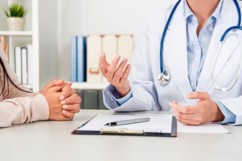 hỏi bệnh và khám lâm sàng