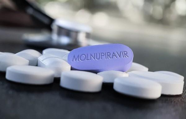Drug Company Reports Success in Testing COVID-19 Pill